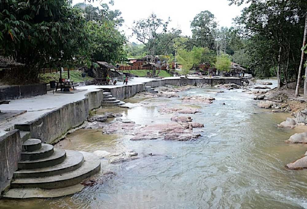 Kolam Air Panas di Perak