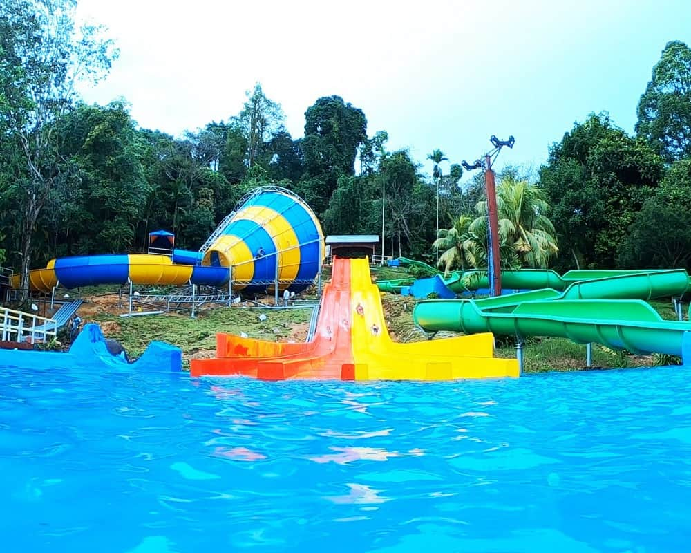 bukit-merah-laketown-waterpark