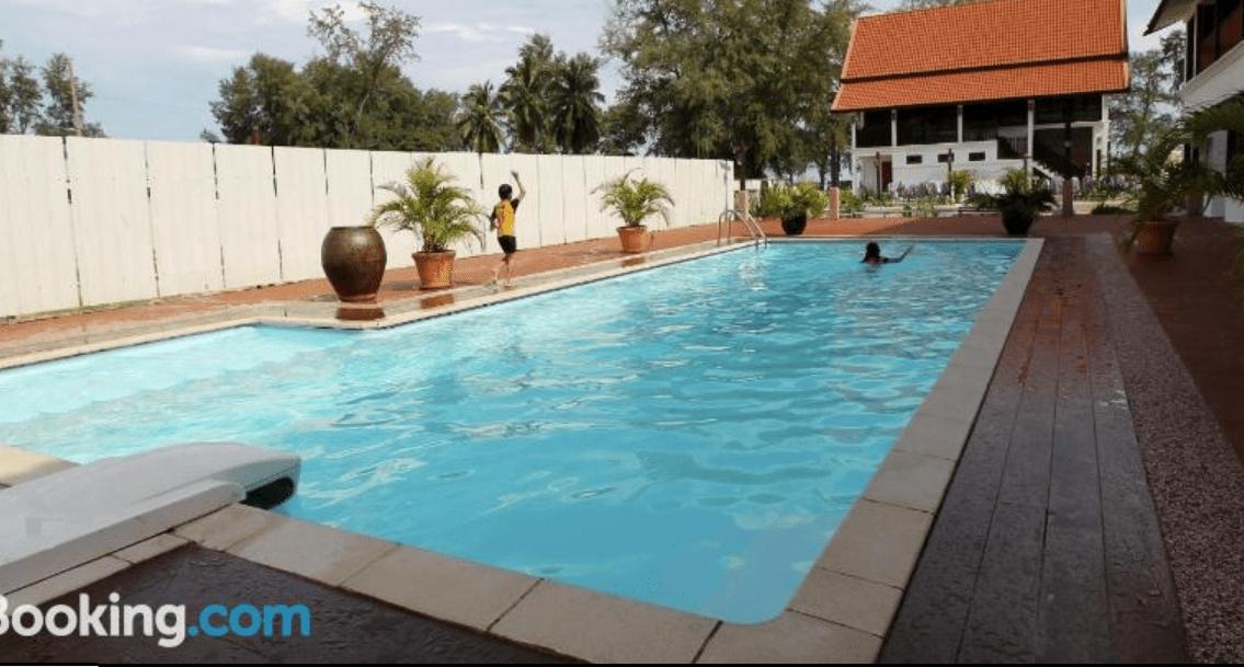 Hotel ada Kolam di Besut, Terengganu